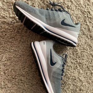 Nike size 8.5 Mens, can fit Womens size9.5